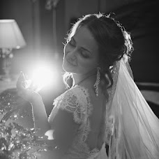 Wedding photographer Oksana Novosadova (Oks-FOX). Photo of 18.08.2013