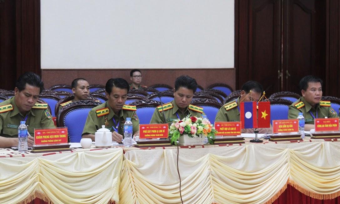 Đoàn đại biểu Công an tỉnh Hủa Phăn