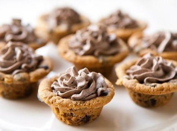 Cookie Cups With Chocolate Cream Recipe