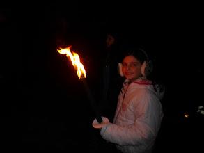 Photo: ook meisjes spelen graag met vuur...
