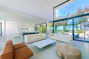 In the heights of Vallauris,designer villa breathtaking 360-degree sea view in cote-dazur