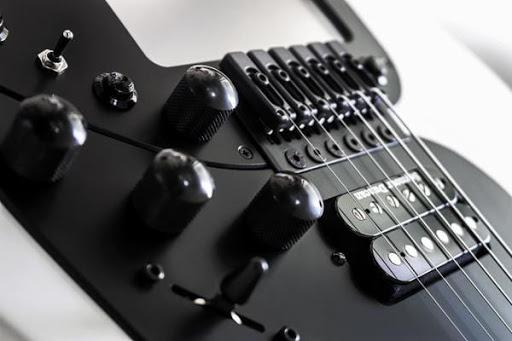 MIDI guitar takes a big leap forward: ROR Guitars Expressiv MIDI Pro 2