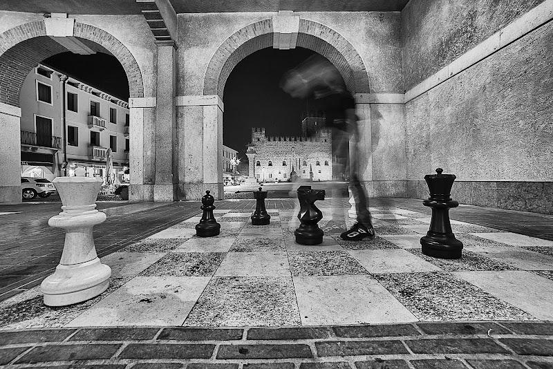 Una partita a scacchi di Schivio