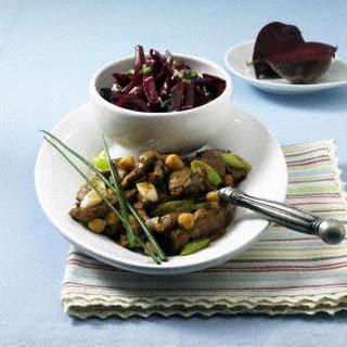 Kichererbsen-Geschnetzeltes mit Rote Bete-Salat (Diät)