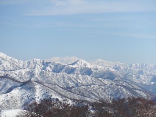 烏帽子山と白山