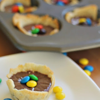 Mini M&M Chocolate Fudge Pies