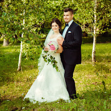 Wedding photographer Olya Yackiv (Delfin4uk). Photo of 05.07.2016