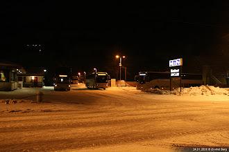 Photo: #171: UF 29891 utenfor Vertshuset Sinclair, Kvam, 24.01.2008.
