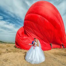 Wedding photographer Vladimir Amangaliev (Pavv). Photo of 24.10.2014