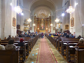 Photo: Sonntag, 9:15 - es ist gleissend hell in der Kirche.