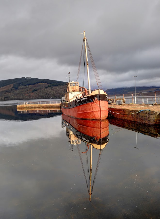 Vital Spark by Alec Bonser - Uncategorized All Uncategorized ( boats.scotland.reflection.colours.harbour. )