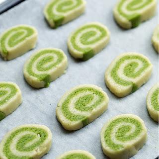 Matcha Pinwheel Cookies (Vegan & Gluten-free).