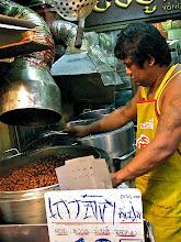 Photo: roasting chestnuts, Chinatown, Bangkok