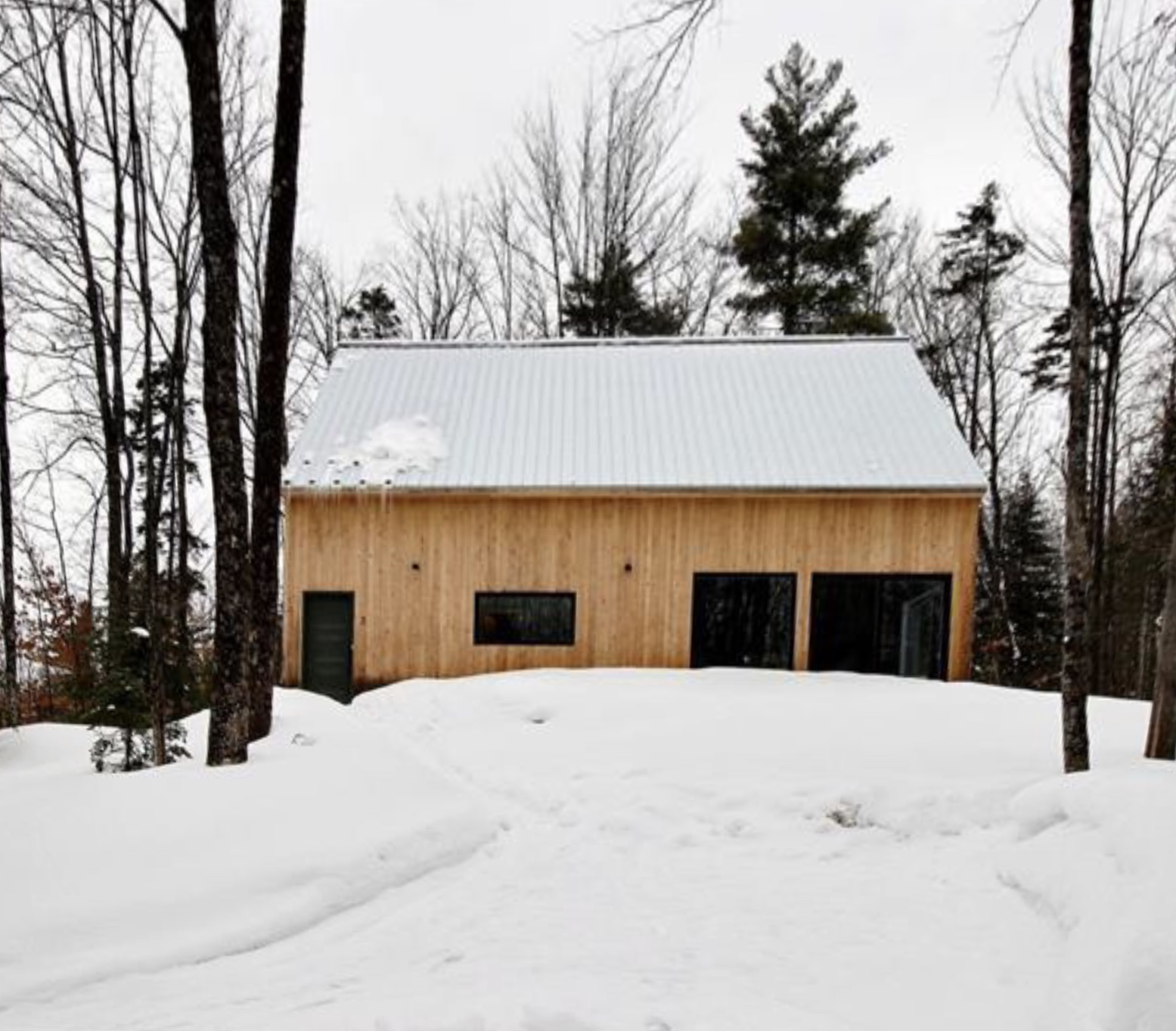 Cottages for rent near a ski mountain in Estearn Townships #8