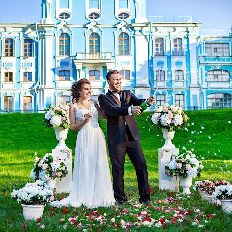 Wedding photographer Anna Zavodchikova (foxphoto). Photo of 27.09.2017