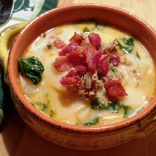 Pressure Cooker Olive Garden Zuppa Toscana (Italian Soup).