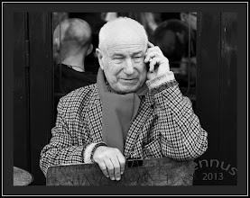 Photo: un homme à Paris