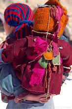 Photo: les rubans protègent les enfants des mauvais esprits