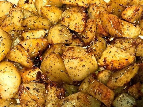 Classic Oven Roasted Potatoes With Garlic And Rosemary Recipe