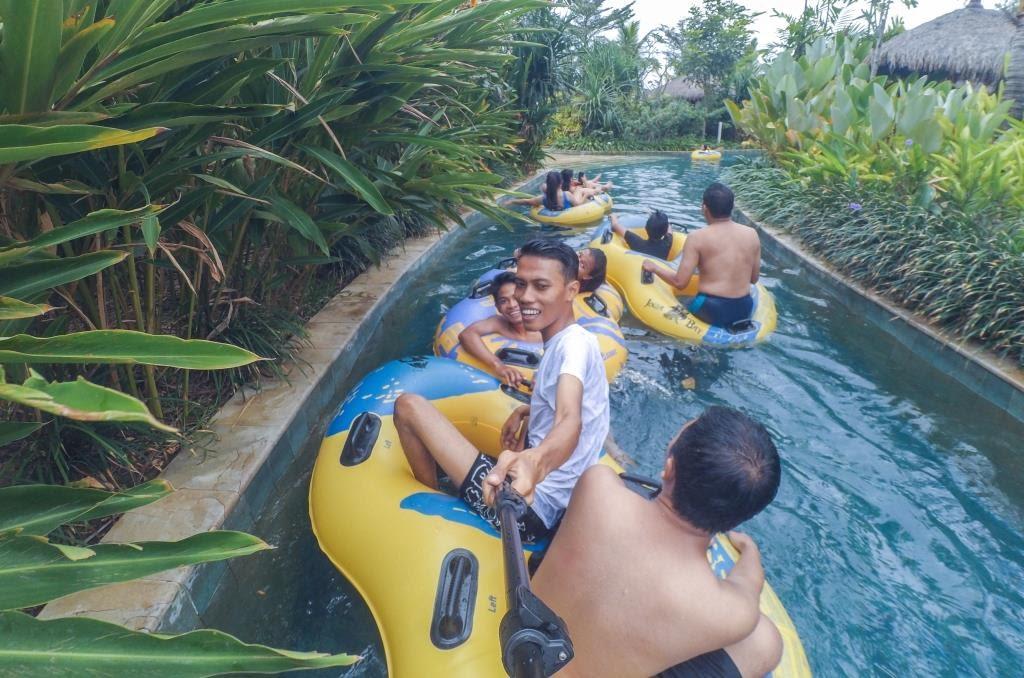 Menyusuri Jogja Bay Waterpark di wahana donte wild river
