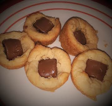 Peanut butter, Rolo cookie cups