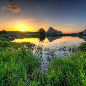 Morning by Anuar Che Hussin - Landscapes Sunsets & Sunrises ( water, lake, sunrise, landscapes, boat )