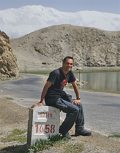 Photo: Karakul, Karakoram Highway, Xinjiang - Asia overland 2002