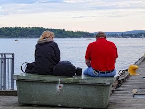 Photo: The art of quietly sharing a bench.