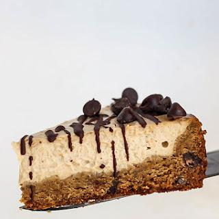 Vegan Cheesecake with Chocolate Chip Cookie Crust.