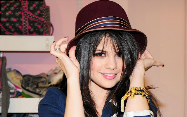 Selena Gomez Fan Club Tab