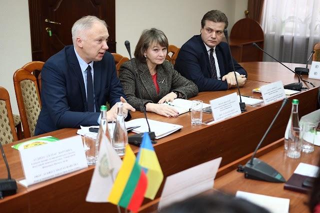 НФаУ уклав угоду про співпрацю з Університетом Вітаутаса Магнуса