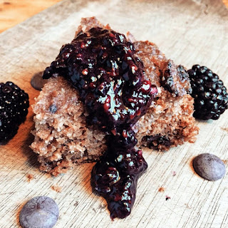 Low Carb Blackberry Chocolate Chip Cake
