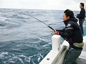 """Photo: こちらも初乗船の""""モリスギさん""""ヒット!"""
