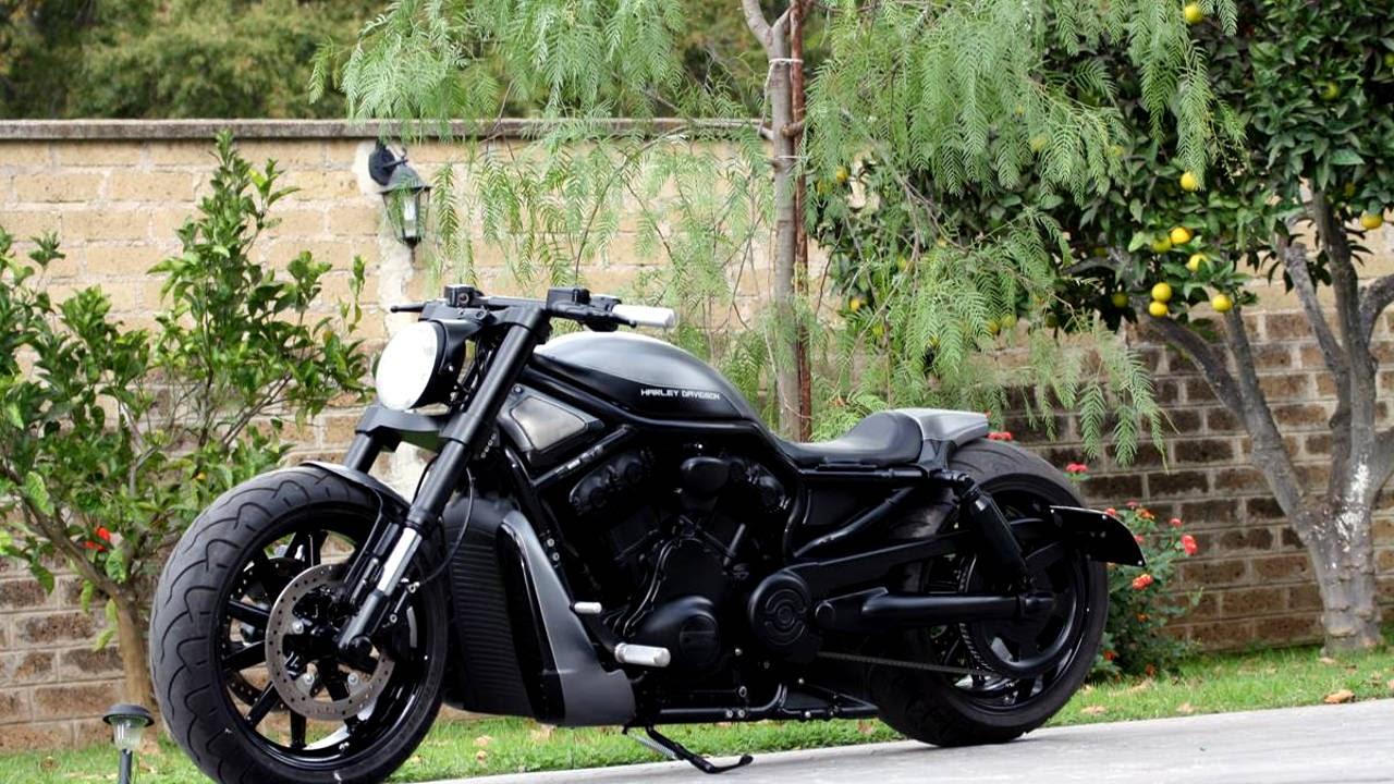 """Harley-Davidson V-Rod """"Street Rod"""" by Kustom Kio"""