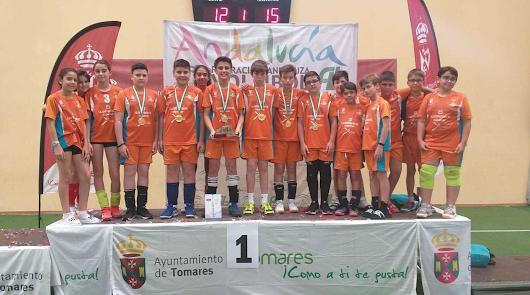 Mintonette Almería vuelve de Tomares con el título