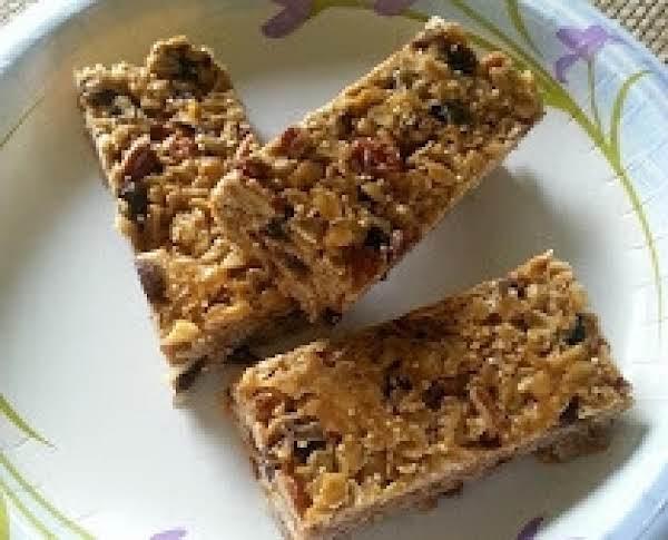 Oatmeal Raisin Quinoa Granola Bars