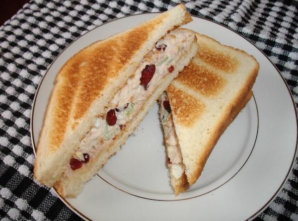 Cranberry Tuna Salad Sandwich Recipe