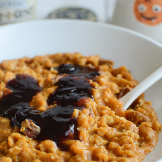 Pumpkin Oatmeal with Blueberry Swirl