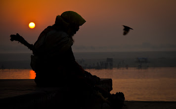 Photo: Photographer Friday  http://mitchellmasilun.com/2013/12/13/photographers-friday-day-32365/  #india  #varanasi  #indiaphotography  #sunrise  #sunrisephotography  #sunrisephotos  #sadu
