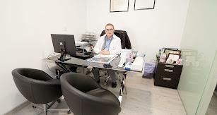 El doctor Juan José Khouri, ginecólogo del centro.