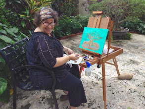 Photo: Denise painting plein air at the Society of the Four Arts 12-12-13