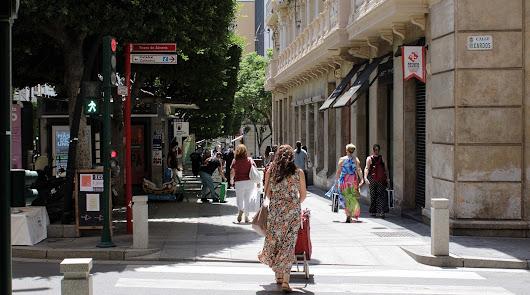 Almería sigue por debajo de los 50 casos y confirma su distancia con Andalucía