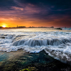 Sunrise Jolangkung by Andy R Effendi - Landscapes Sunsets & Sunrises ( malang, waterscape, jolangkung, beach, sunrise, seascape, landscape )