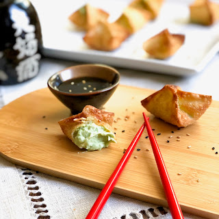 Avocado Cream Cheese Wontons With Sesame.