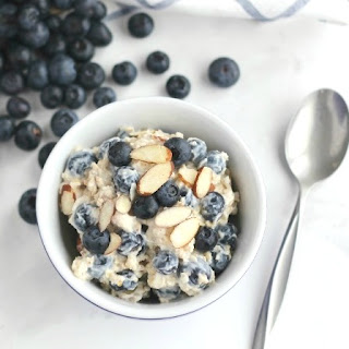 Cool and Creamy, 5-Minute, No-Cook Blueberry-Almond Oatmeal (With Make-Ahead, Overnight Oats Option, Too!).