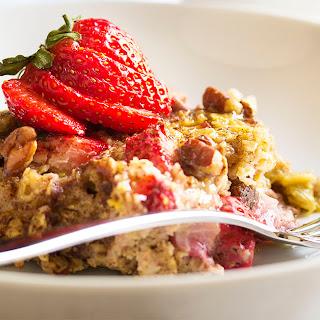 Baked Strawberry Rhubarb Oatmeal