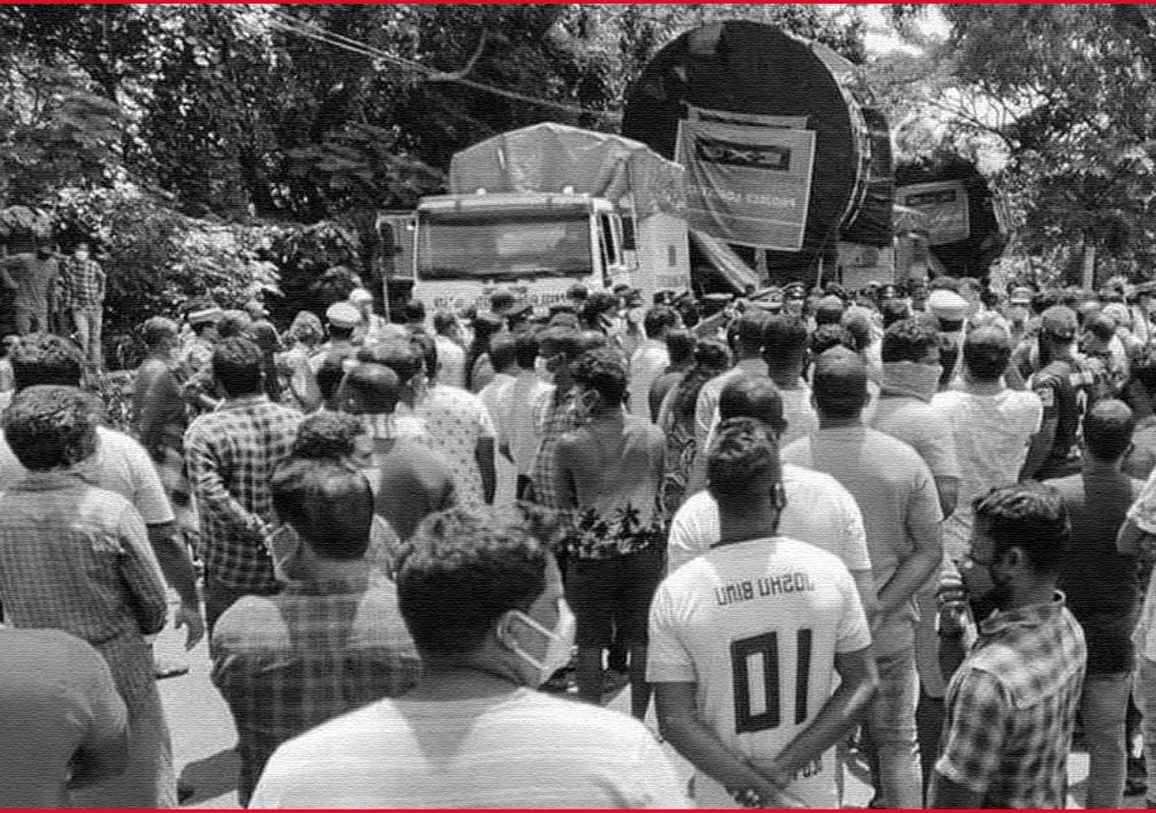 Kerala: Workers Block ISRO Truck, Demanded ₹10 Lakh as 'Gawking Charges'.