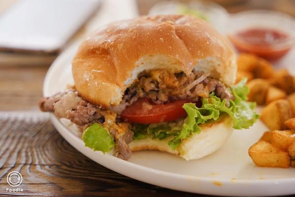 台北101站_Waku Waku Burger わくわく。漢堡控絕對必吃,IG打卡必訪景點日式清新簡約裝潢