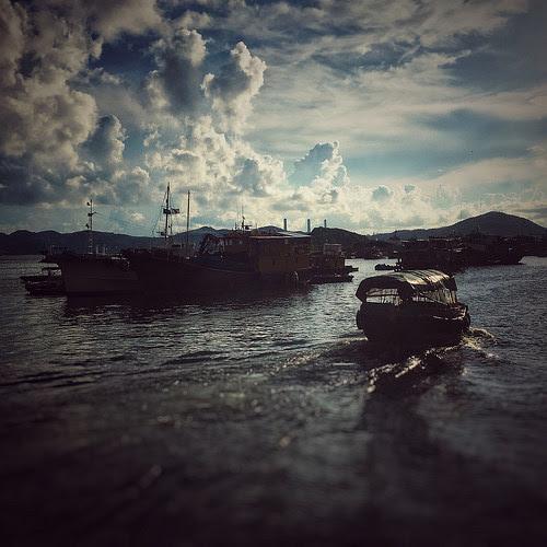 China, Hong Kong, Aberdeen, Aberdeen Harbour, Ap Lei Chau ferry sampan, 香港仔灣, 舢舨