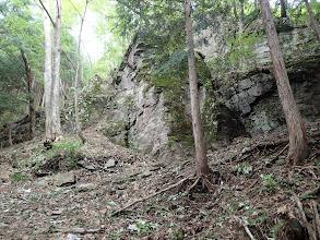 大きな岩が現れる